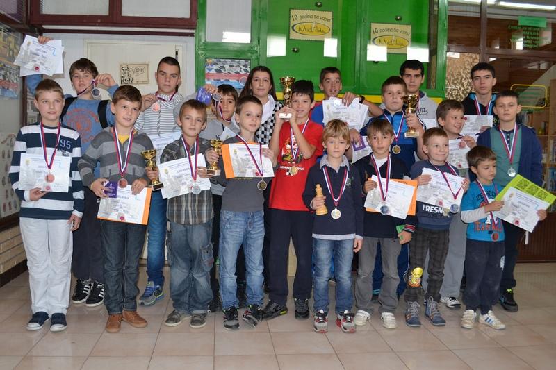 Vidikovac II mesto – na otvorenom prvenstvu Čukarice u problemskom šahu