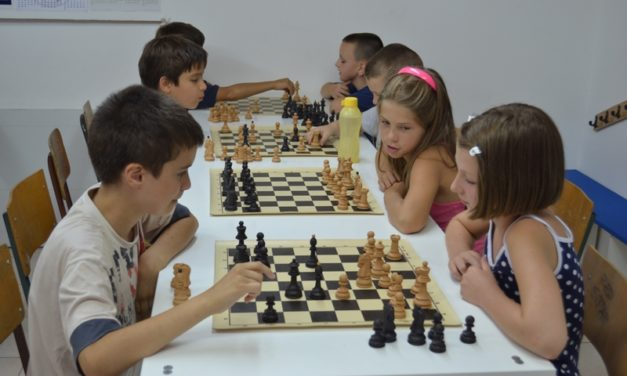 Besplatna škola šaha na Vidikovcu